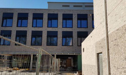 Unsere neue Schule (Außenansicht)
